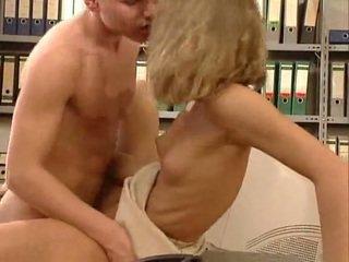 Tysk veldig hot kontor sex. vakker hottie