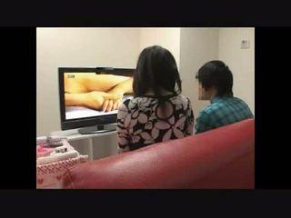 Nënë dhe bir duke parë porno së bashku eksperiment 4