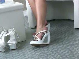 Sexy jenter i sexy hæler 45
