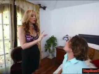 সেক্সি কাজের মেয়ে abby lee brazil 3way সঙ্গে মিলফ julia ann মধ্যে বিছানা