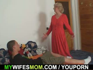 Vrouw finds hem neuken mam in wet en gets insane