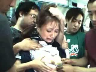 Tonårs groped och used i en tåg