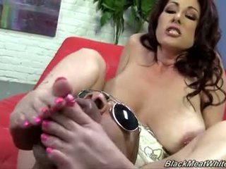 Tiffany mynx ใช้เท้า