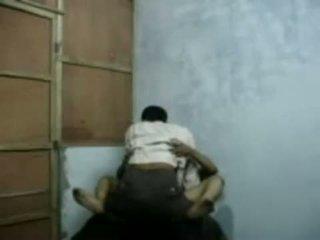 Bangla raand blackmailing son client pour sexe