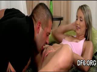 Virgin goddess shows šľapka