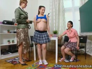 她 做 我們 女同志 - simona 和 她的 性感 classmate