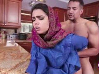 Ada sanchez gets naida sisään the keittiö