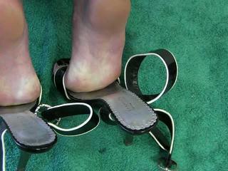 Σύζυγος μαλακία με παπούτσια βίντεο
