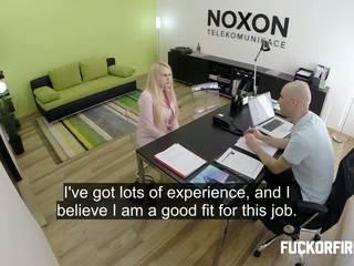 zyrë, intervistë, doggy-style