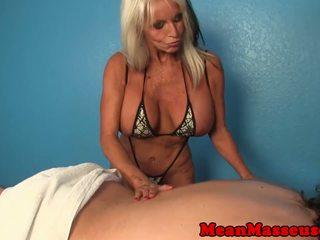 Madura masseuse sally dangelo wildly wanking polla: porno 36