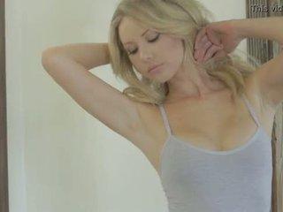 Tiffany toth - playboy - עירום לירות
