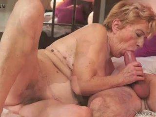変態の 古い おばあちゃん malya loves 大きい ディック <span class=duration>- 6 min</span>
