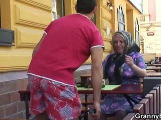 呻吟 grandmother acquires 他的 teenaged joystick
