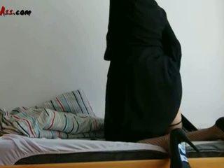 Niqab analinis solo apie sofa