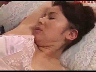 Грудаста матуся з tied arms licked fingered stimualted з для