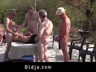 Anita bellini banda banged da 8 vecchio arrapato cocks