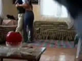 Тато спіймана violating нянька на камера відео
