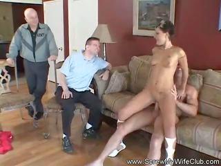 Žmona likes dulkinimasis strangers, nemokamai žmona dulkinimasis porno video