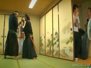 Oosters geisha shows tieten en kut