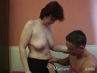 Amatérske babka s chlpaté chňapnúť