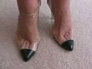 gót cao, tôn sùng chân, footjob
