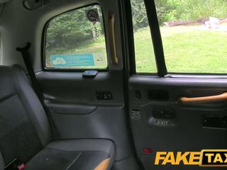 Fake taxi driver gets gelukkig bij dogging plaats