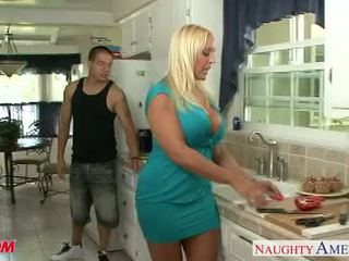 Chesty blondīne māte alexis zelta veikt dzimumloceklis