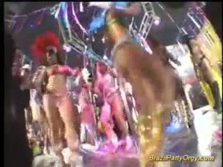 Brazil 파티 주신 제 아가씨 에 단단한 그룹 섹스 과 구두의 작업