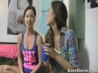 自由 pon vids 为 2 女孩 同 一 guys