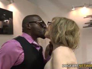 Nina hartley fucks 黑色 guys 為 votes