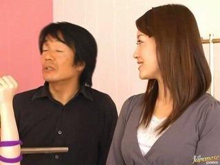 Japoneze av model pees