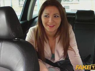 Ilus amatöör pays seks jaoks taxi sõitma
