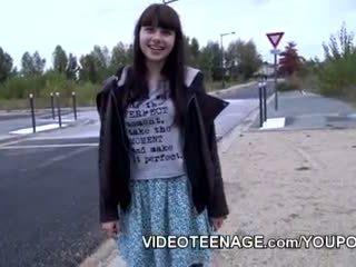 18 years oud tiener luna eerste naakt casting