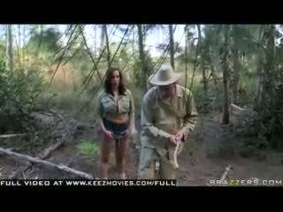 Kelly divine - আক্রমণ এর ঐ jugg ক্ষুধার্ত bees!