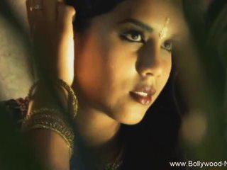 На dance на india revealed