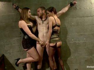Oustanding meat bot dude dominated -ban dame uralkodás és pegging teljesítmény által 3 nymphs
