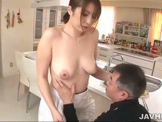 Dögös japán does boobjob
