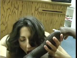 Asian-pakistani brunette sucks big ireng dravidian kontol