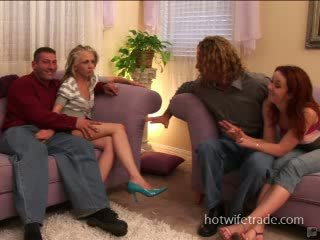 Swinger isteri-isteri spermmed pada