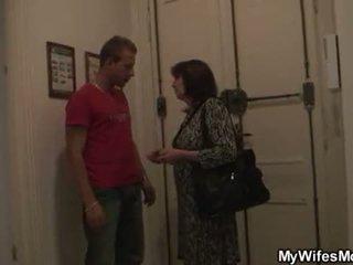 Dia tua mama dan boyfriend tabu seks
