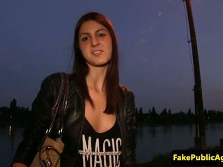 Húngara amadora cocksucking para dinheiro, porno 8e