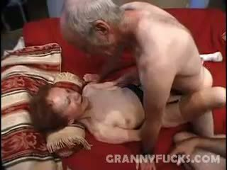 Raw nenek bertiga