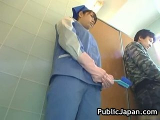 Krūtinga azijietiškas tvirkinti tualetas
