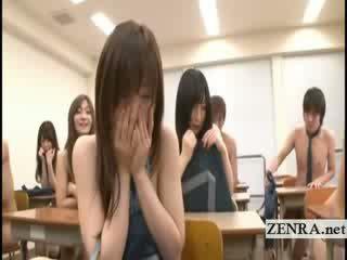 Subtitles two jap σχολείο κορίτσια στριπτίζ γυμνός σε κατηγορία