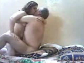 श्यामला, ब्राज़ीलियाई, बड़े स्तन