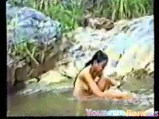 Мила в'єтнамська підліток