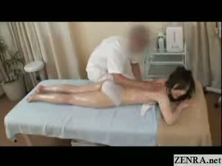 Alle hender på sensuell olje massasje med kåt japan milf