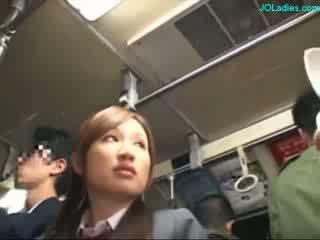Escritório senhora getting dela peluda cona fingered enquanto standing em o autocarro