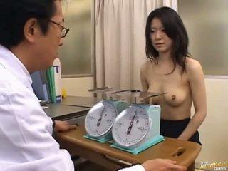 Japonská av modelu roztomilý kancelář dívka