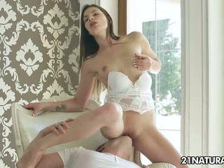 brunetka, doggystyle, orgazm